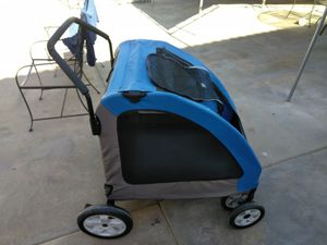 This dog stroller is perfect for taking the old pups on a evening walk down the street for Sale in Montebello, CA