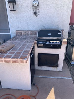 Free 5x5 bbq island FREE for Sale in Henderson, NV