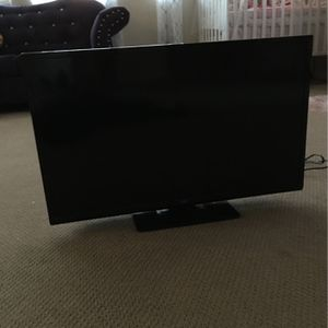 JVC TV 32 inch good condition never used with HDMI for Sale in Corona, CA