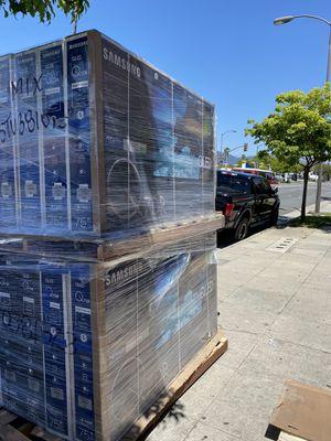 75 INCH SAMSUNG QLED 2019 Q7 q7DR q70R BRAND NEW SMART 4K TVS SALE for Sale in Alhambra, CA