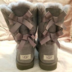 Gray Uggs W 10 for Sale in Las Vegas, NV