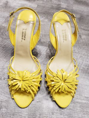 Valley Lane Size 11 M Yellow High Heels for Sale in Dallas, TX