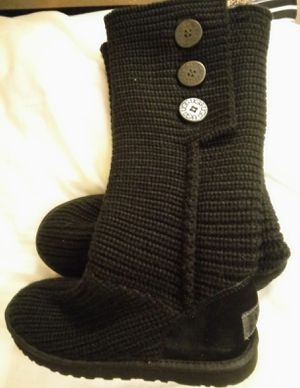 Ugg Cardy button up boots black SIZE 7 for Sale in Fife, WA