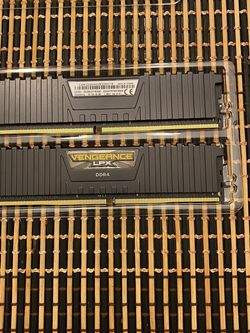 Corsair Vengeance RAM 2X16 (32gigs) CL16 for Sale in Dallas,  TX