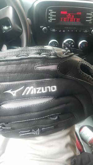 Mizuno softball glove 14 inches new for Sale in South Gate, CA