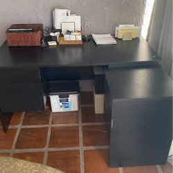BLACK DESK 5 DRAWERS HOME OFFICE for Sale in Los Angeles,  CA