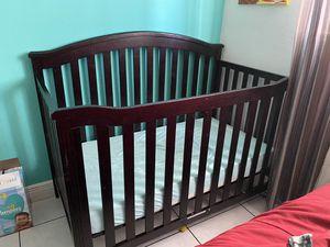 Baby crib for Sale in Miami, FL