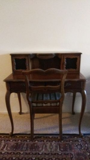 Antique desk for Sale in Rancho Santa Margarita, CA