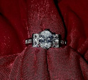 💎💍💞Beautiful! $20. OBO -White Sapphire & 925 Silver Filled Ring -Size 6, 7, & 8 Available 💞💍💎 for Sale in Salisbury, NC