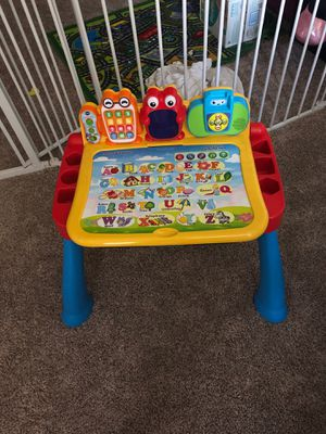 Toddler Vtech Interactive Desk for Sale in Maineville, OH