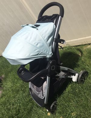 Baby stroller for Sale in Woodhaven, MI