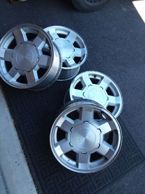 17 in GMC/Chevy rims for Sale in Prineville, OR
