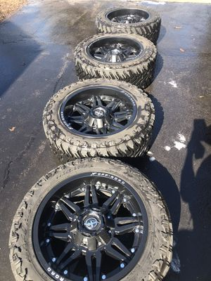 """20"""" Off road rims and tires for Sale in Waukegan, IL"""