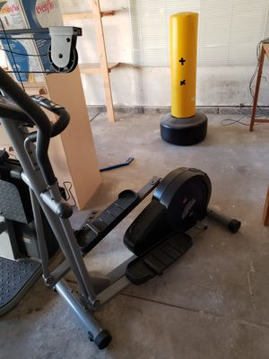 EMR programmable elliptical LIKE NEW!! for Sale in Santa Maria, CA