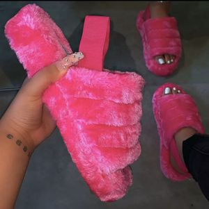 Hot pink fluffys for Sale in Tampa, FL