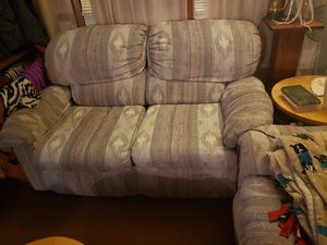 Sofa & loveseat set for Sale in Columbia, MO