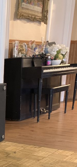 Free piano for Sale in Lockport, NY