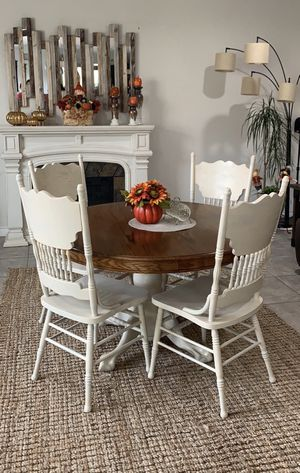 Dinner table and chairs for Sale in Elk Grove, CA
