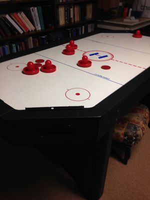 Air hockey table for Sale in Lexington, KY