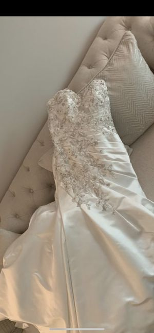 Wedding Dress NEW for Sale in Downers Grove, IL