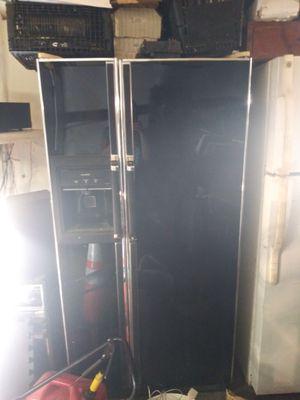 K/M refrigerator side by side for Sale in Dallas, TX