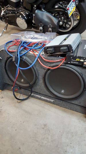 Jl audio slot ported basswedge with tier 3 speakers for Sale in Crum Lynne, PA