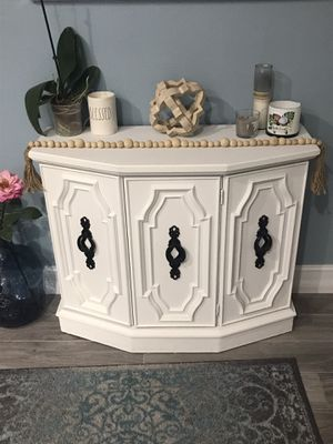Antique cabinet for Sale in Belle Isle, FL