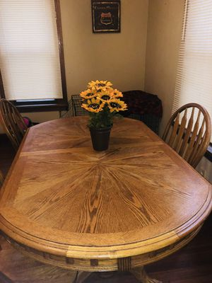 Table for Sale in Lake Mills, IA