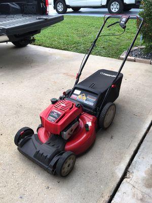 Troy built lawn mower self propelled runs great for Sale in Pompano Beach, FL