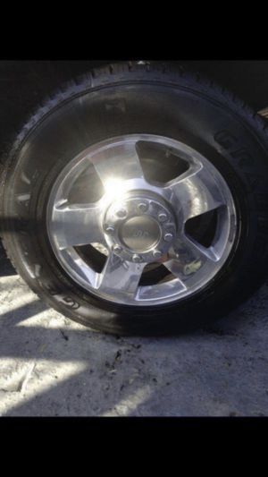 2006 Ford F-250 f250 f350 f-350 king ranch 20in oem wheels and tires kingranch with center caps rims for Sale in Opa-locka, FL