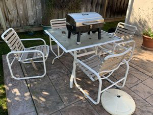 Patio chair and table for Sale in San Jose, CA