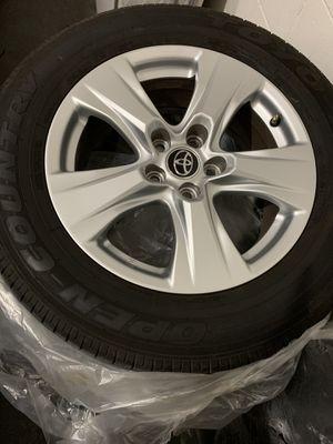 Like new 2019 toyota rav4 tires for Sale in Riverview, FL