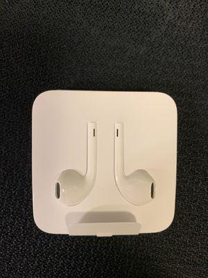 APPLE EARBUDS (not wireless) for Sale in Auburn, WA