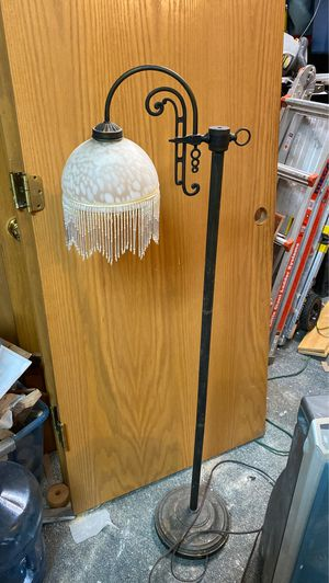 Antique lamp for Sale in Puyallup, WA