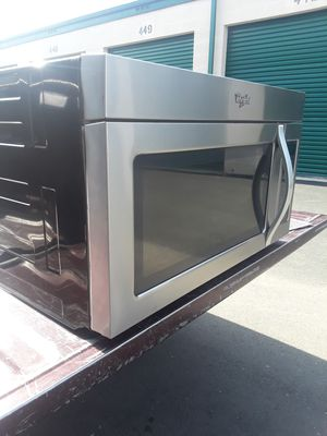 Microwave over the stove whirlpool nice and clean everything works 30 inches wide for Sale in Corona, CA