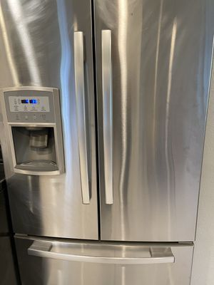 Free refrigerator for Sale in St. Cloud, FL