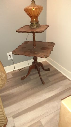 Antique Table for Sale in Lake View Terrace, CA