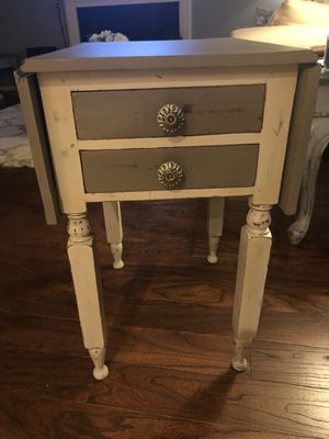 Distressed Antique 1920s End Table for Sale in Kennesaw, GA