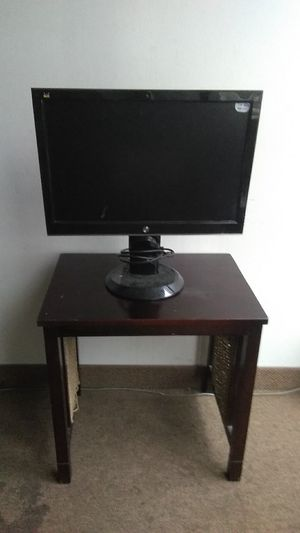 Computer Monitor w/stand for Sale in Chicago, IL