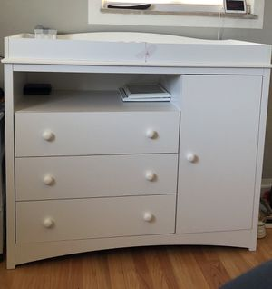 Changing table and dresser for Sale in St. Louis, MO