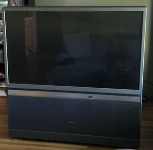 FREE TOSHIBA Rear Projection TV in good condition! for Sale in Walnut Creek, CA