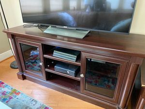 Matching Entertainment Center and Coffee Table for Sale in Washington, DC