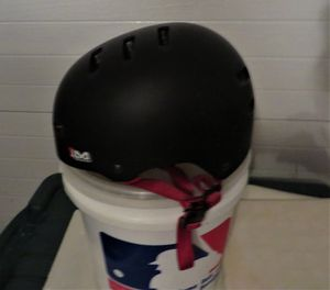 ADULT PROTECTIVE HARD HAT BATTING HELMET for Sale in Bolingbrook, IL