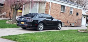 2014 mustang 6 speed manual , Low miles V6 for Sale in Melvindale, MI