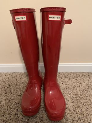 Hunter rain boots-women's size 7 military red for Sale in Loveland, OH