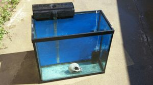 28 gal. Fishtank/retiletank for Sale in Montclair, CA