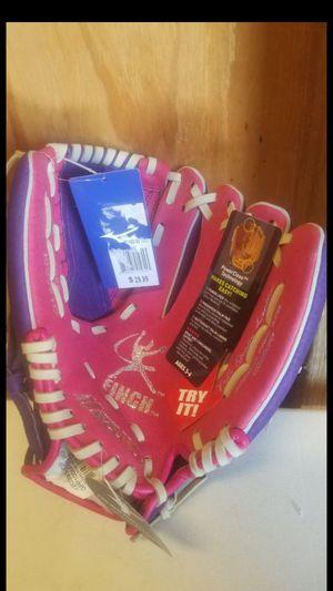 """Softball glove, Mizuno Finch Series , 10"""" for Sale in Whittier, CA"""