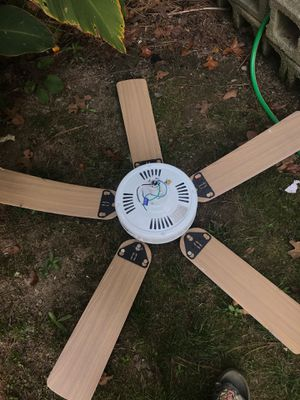 House fan for Sale in Douglasville, GA