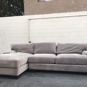 Sectional/Sofa/Couch 🚚 FREE DELIVERY 🚚 for Sale in Beverly Hills, CA