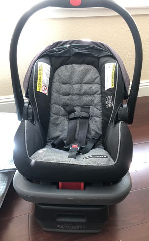 Grace infant car seat with free baby clothes for Sale in San Jose, CA